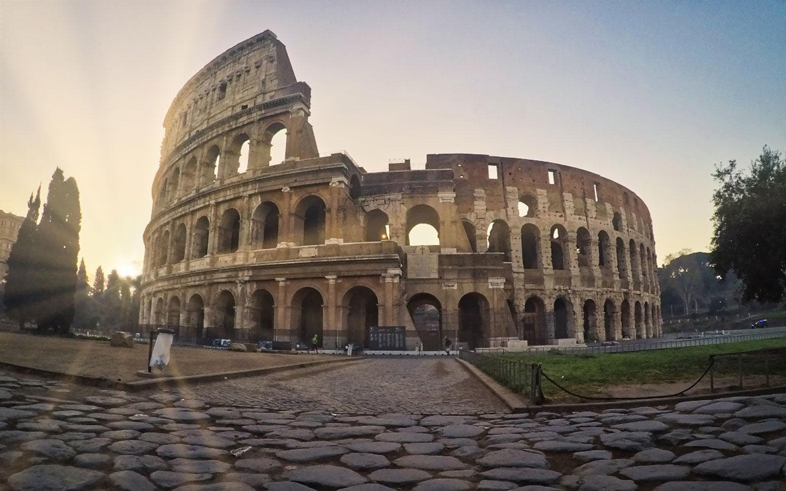 3 days in Rome itinerary day 2 - The Colosseum sunrise