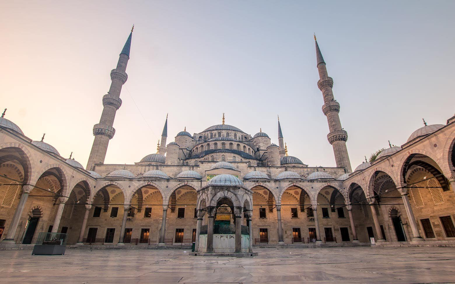 blue mosque istanbul at sunrise