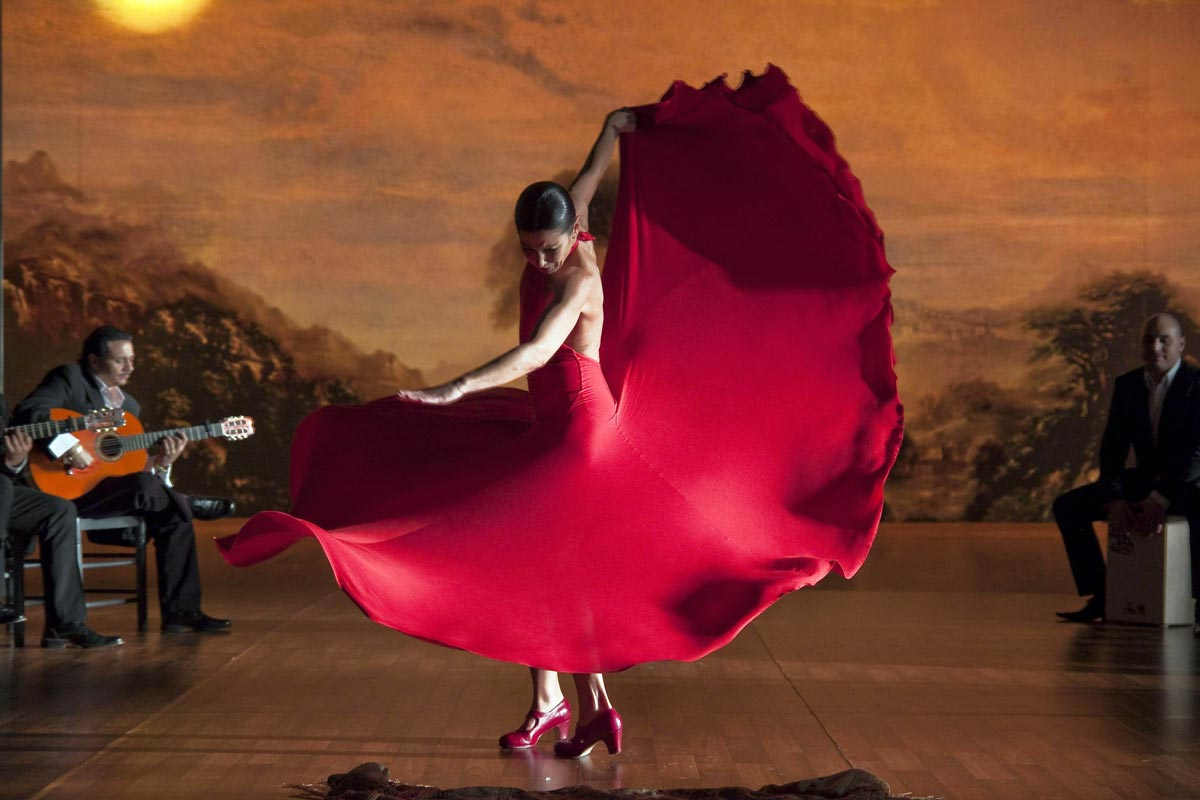 experience a flamenco show in your two days in madrid