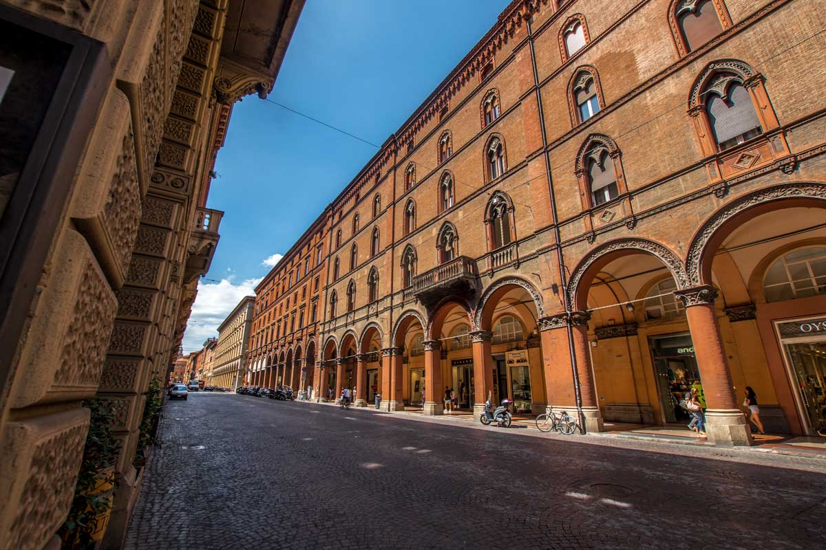 20 Bologna photos that will make you want to visit the Red City right now