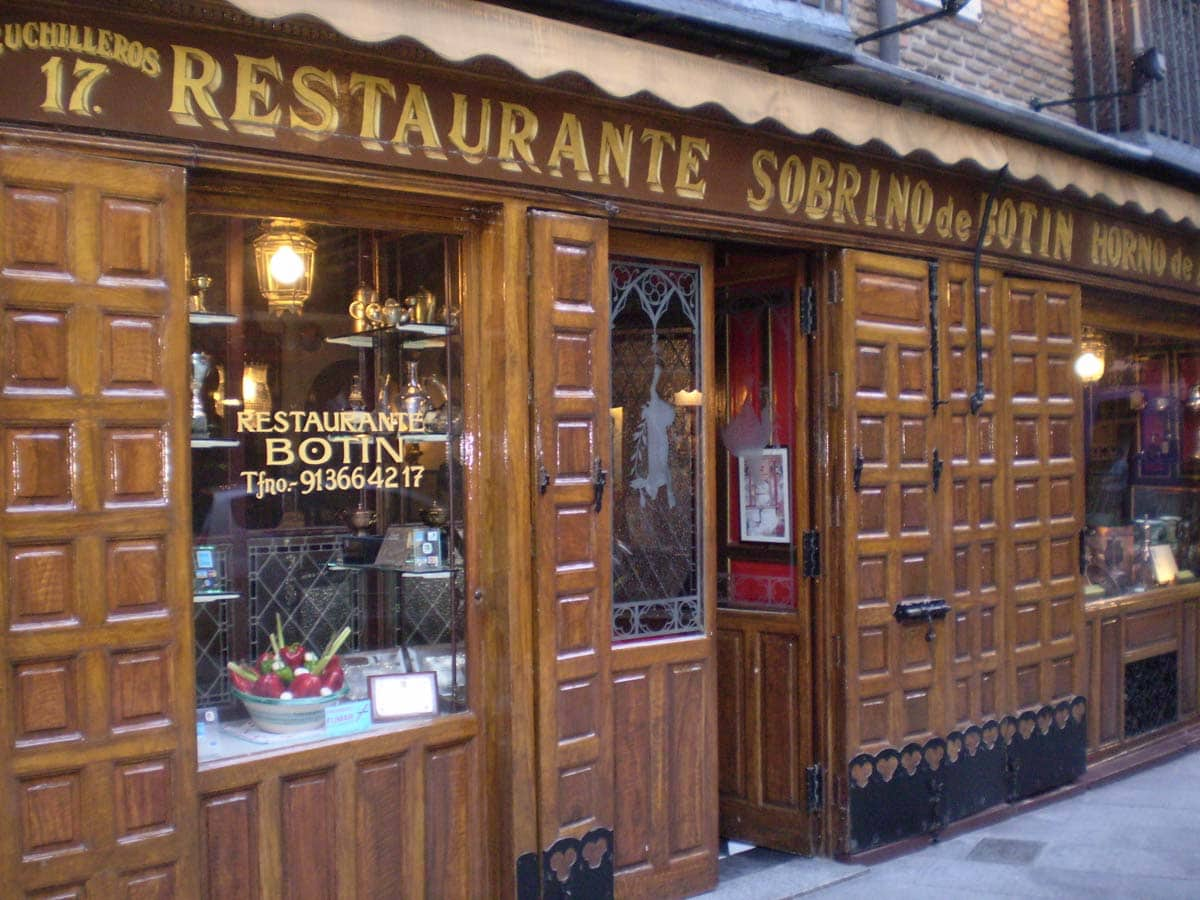 The fascade of the oldes restaurant in the world