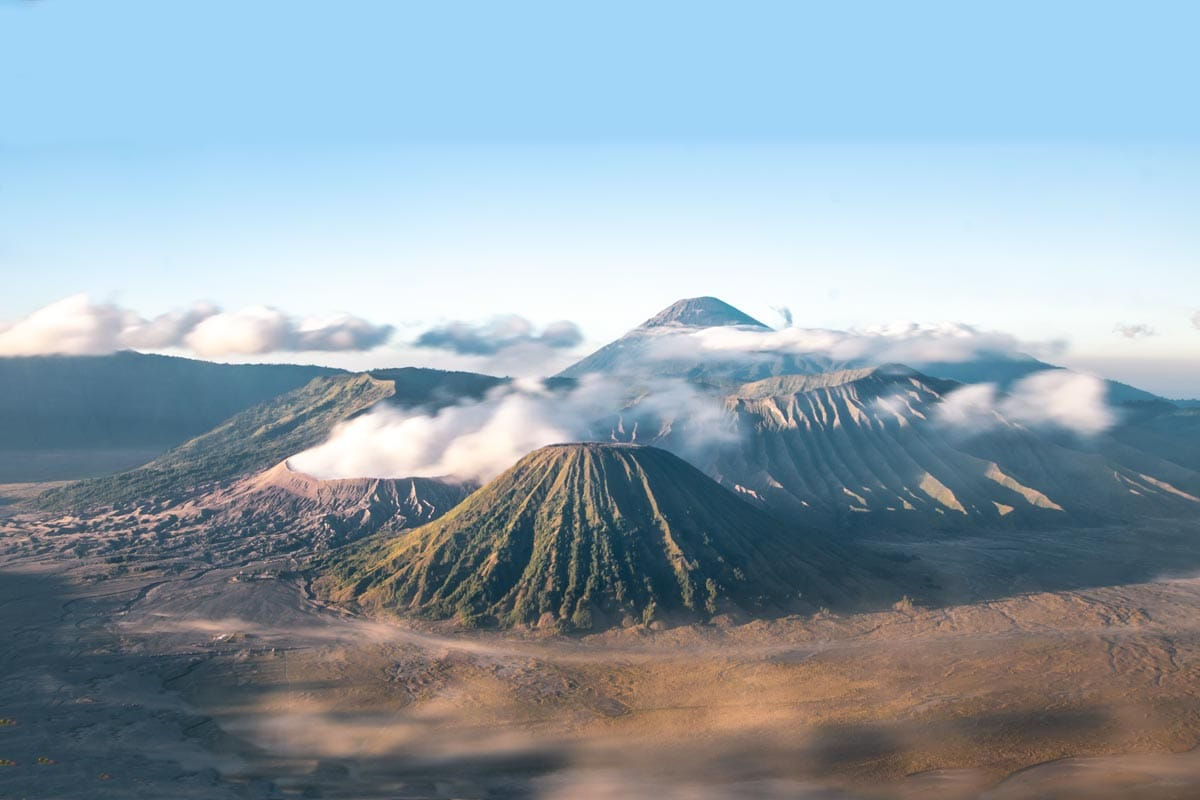how to climb mount bromo for free on sunrise