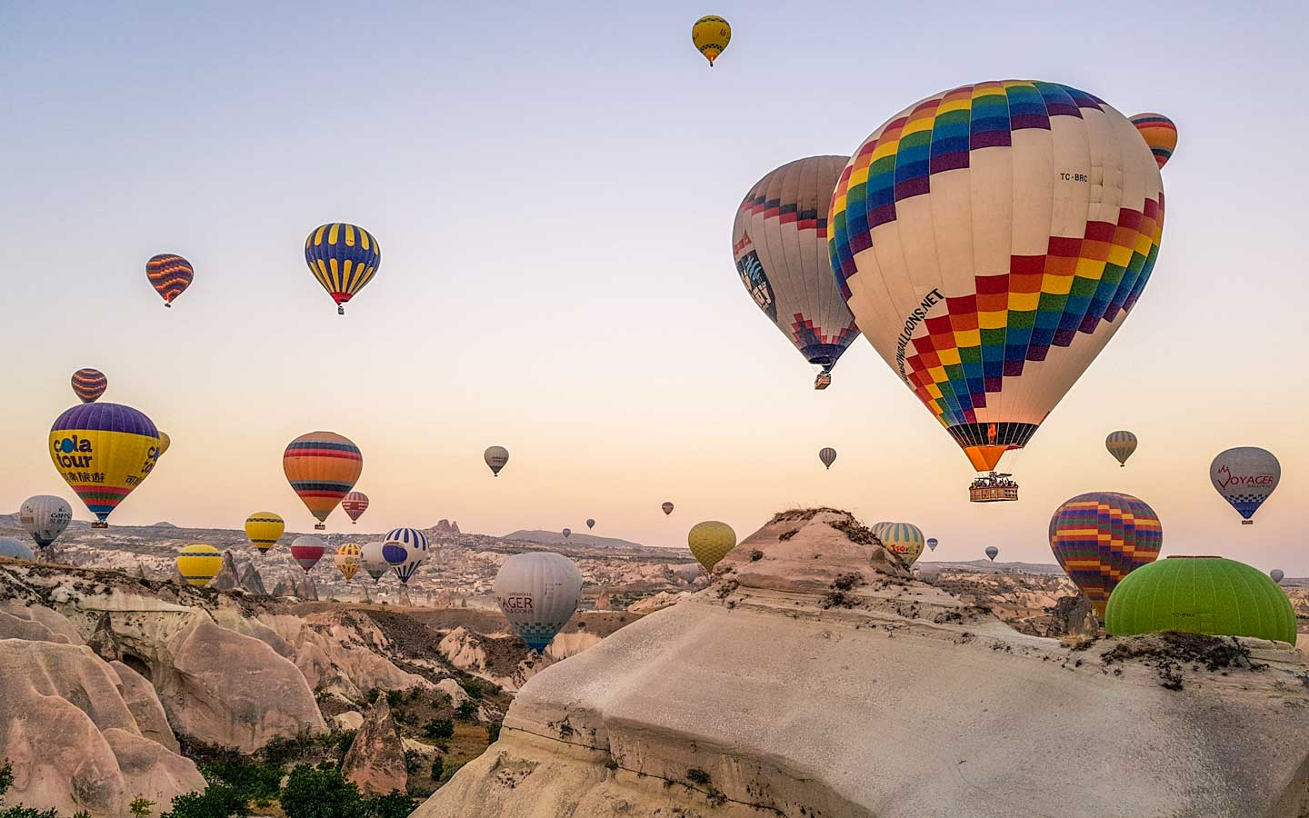 cappadocia hot air balloons-colorful-specatcle