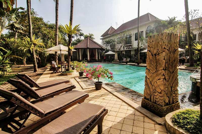 borobudur hotels - mid range
