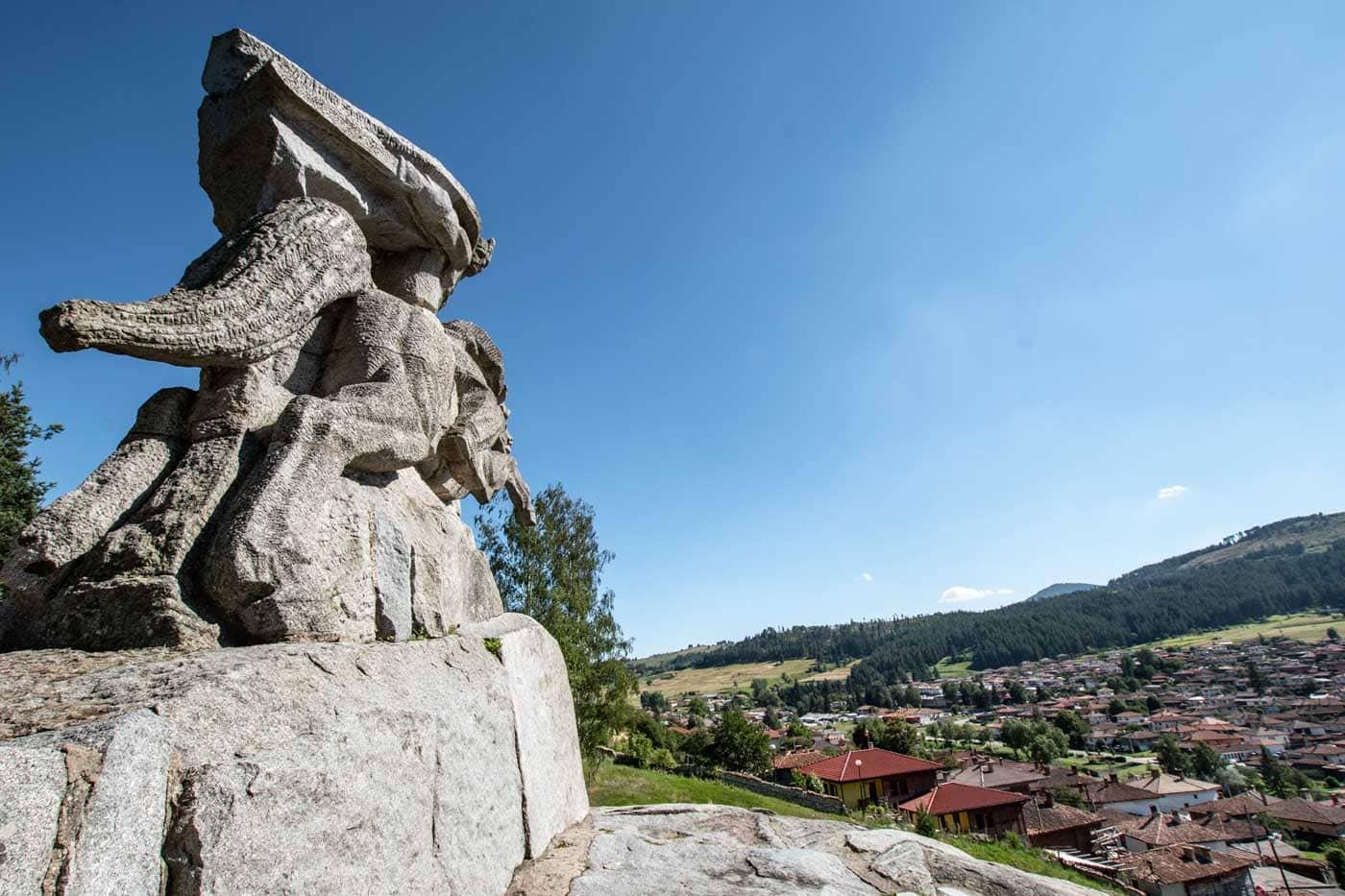 what to see in koprivshtitsa - benkovski monument