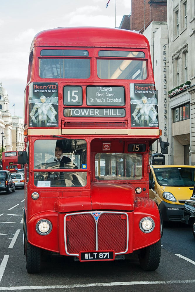 london-facts-a-red-bus