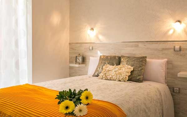 Where to stay in Madrid - hostal met madrid