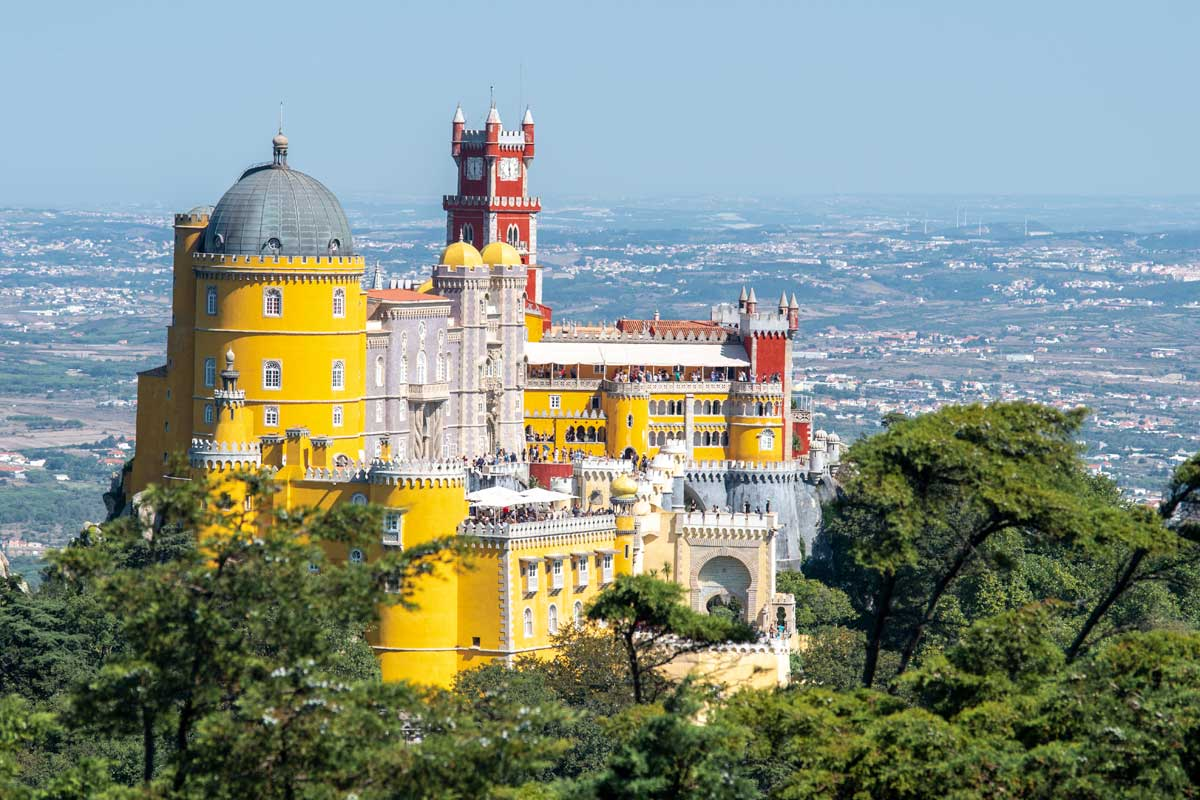 3 days in lisbon pena palace sintra