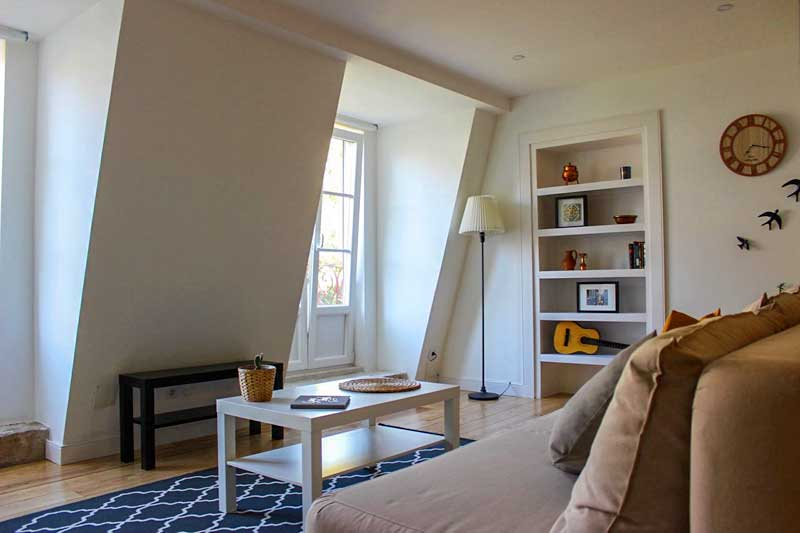 where-to-stay-in-lisbon-mid