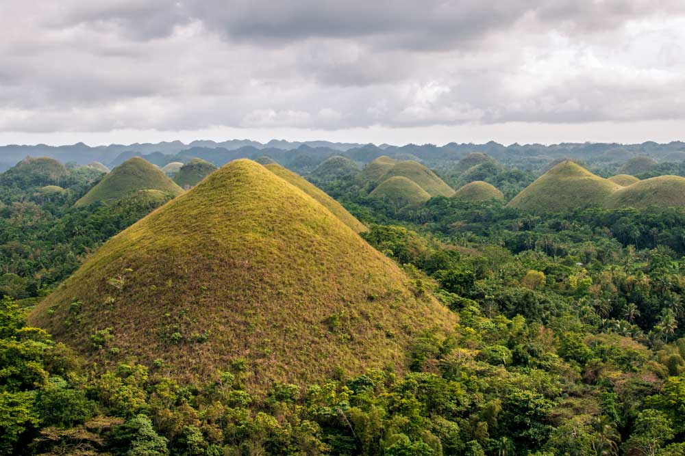 unique bucket list ideas - chocoloate hills of bohol philippines