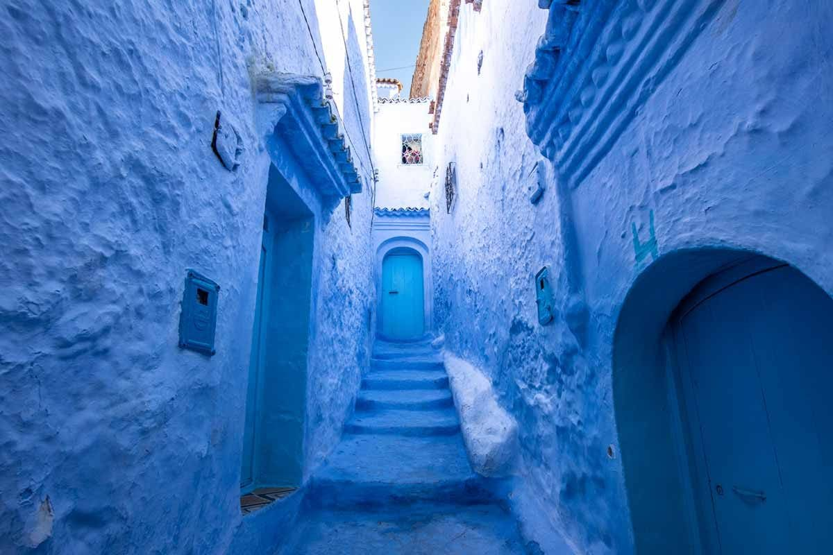 Morocco landmarks - blue street in chefchaoue