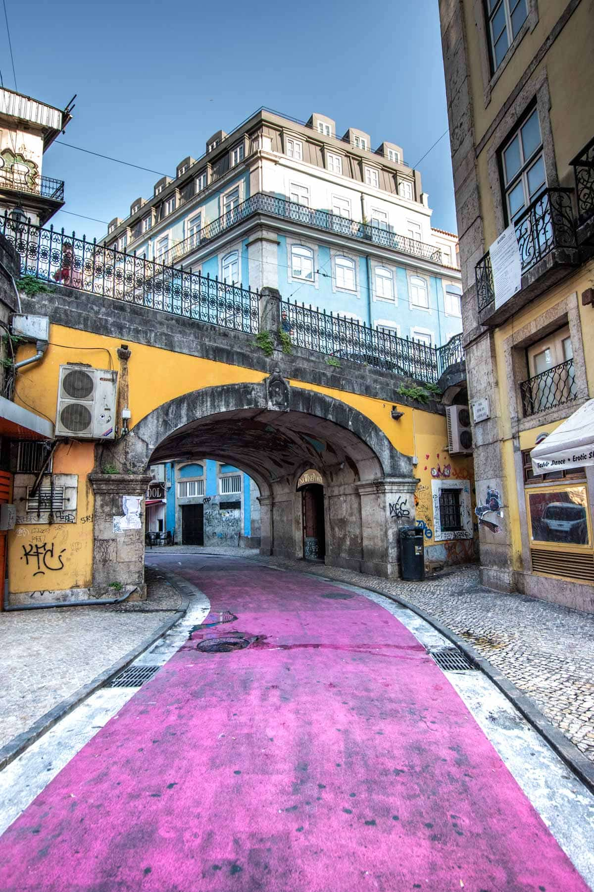 what not to do in lisbon - the pink street