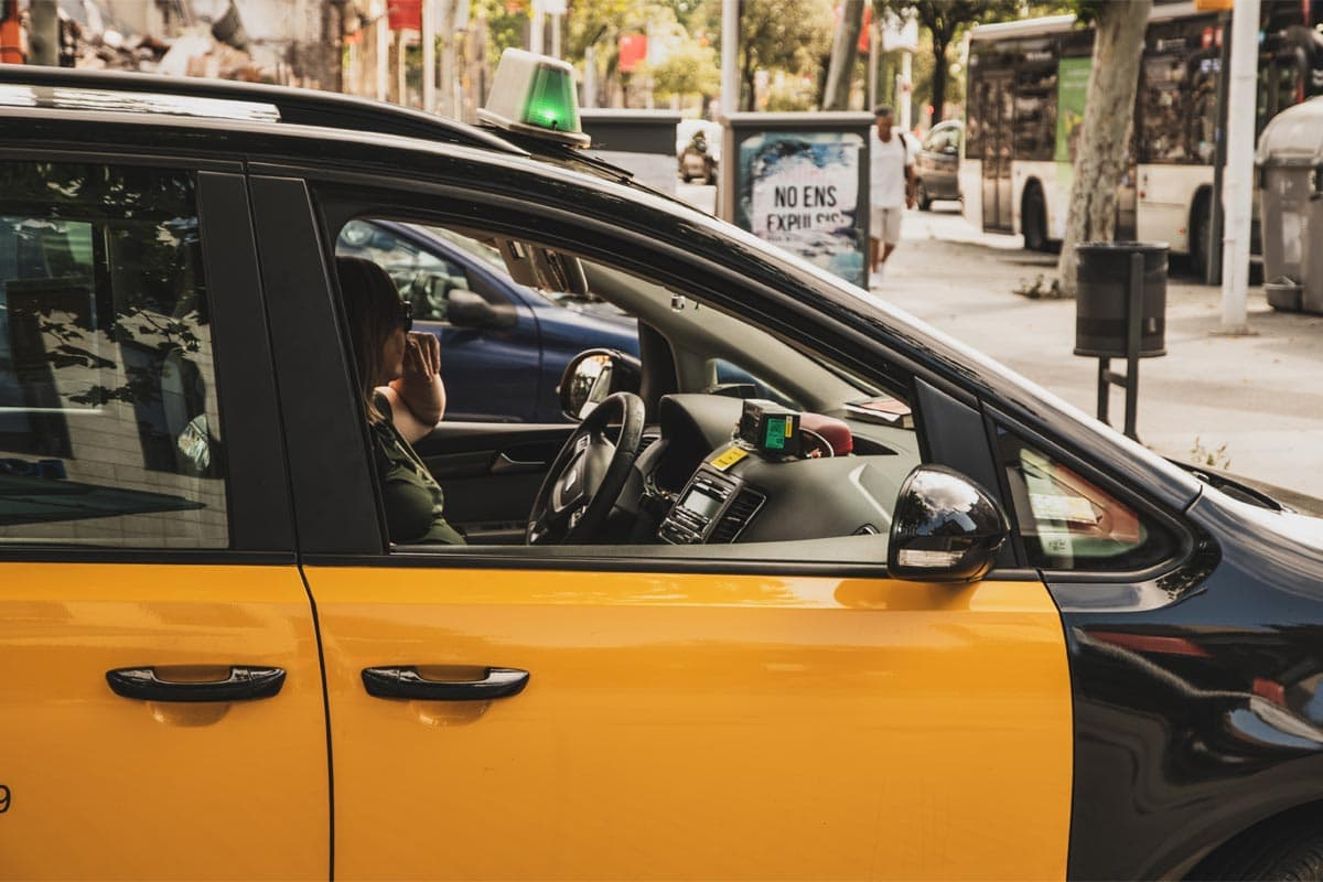 close-up-on-a-barcelona-taxi