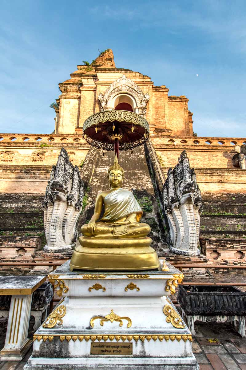 10 day Thailand itinerary - Chinag Mai's old town temple