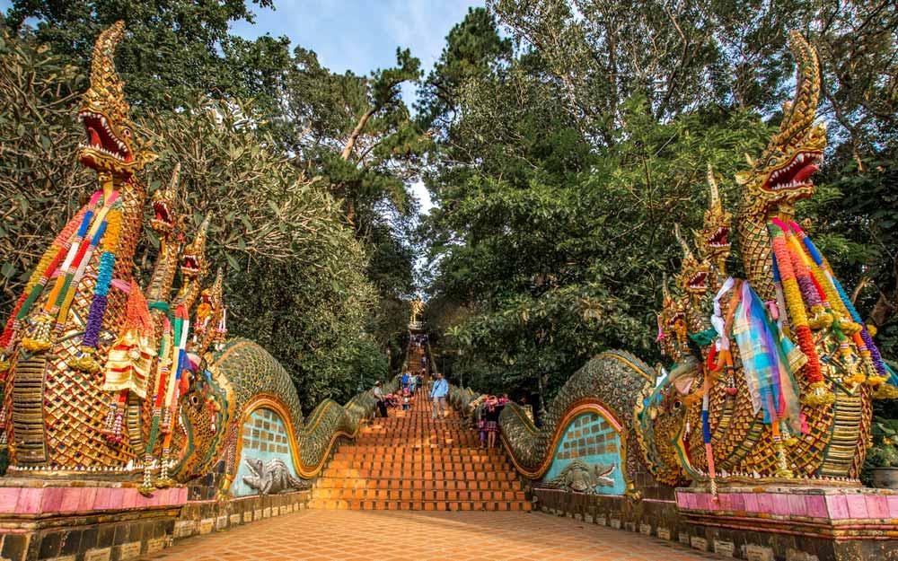 Thailand itinerary - Doi Suthep Stairs