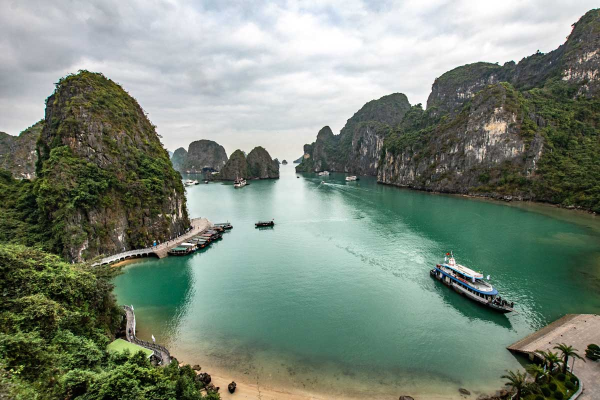 Halong Bay cruises - Surprise Cave viewpoint