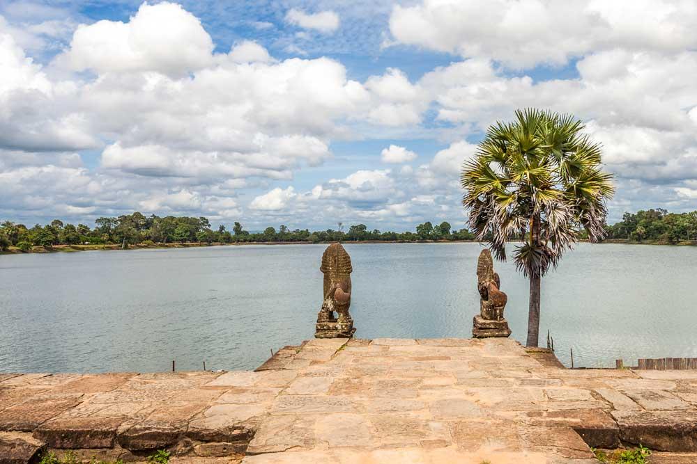 sunrise spot at Angkor complex - Sras Srang