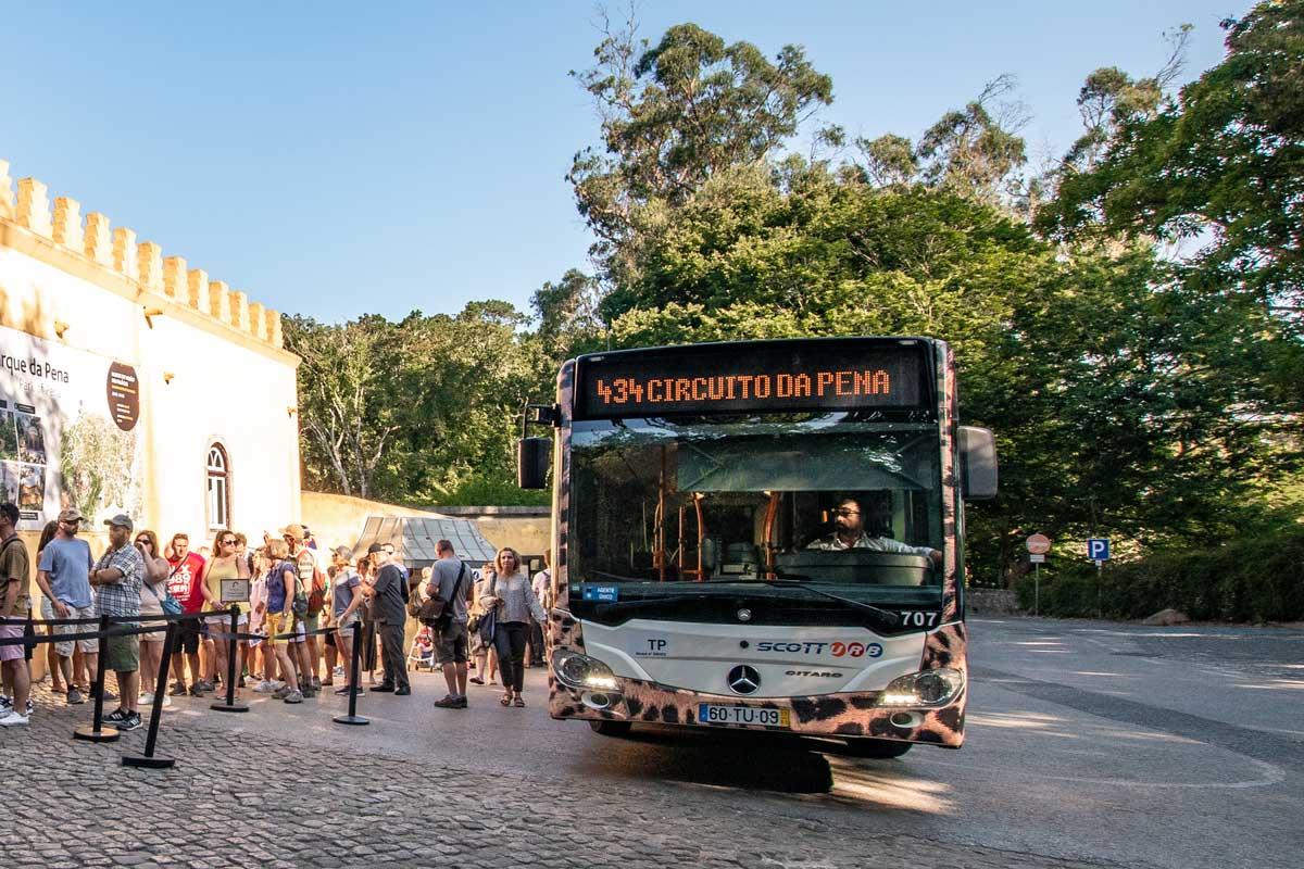 Tourist bus 434