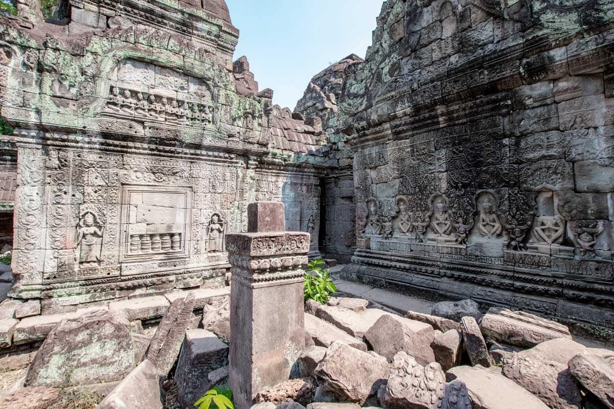 Hall of Dancers in Preah Khan temple, Siem Reap