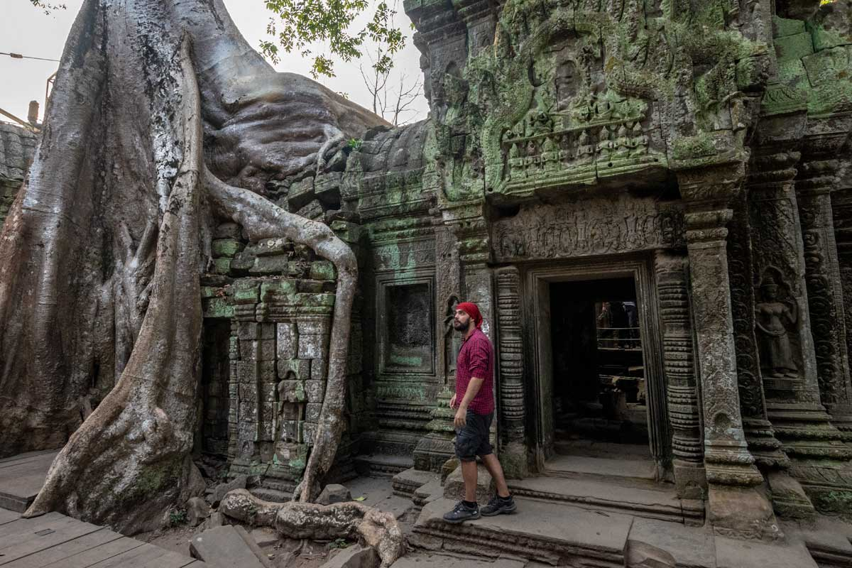 A walk around the Tomb Raider temple in Angkor