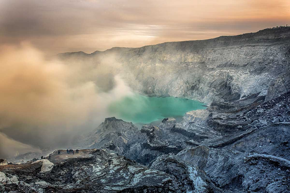 2 week Indonesia itinerary - Ijen Volcano