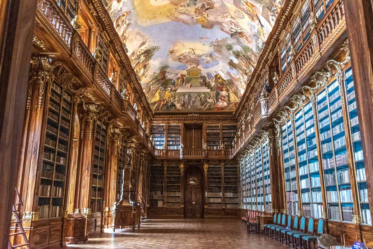 2 days in Prague - Visit Strahov Library