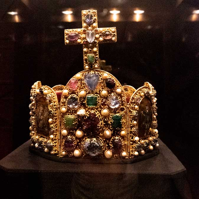 Hofburg National Treasury - Crown close up