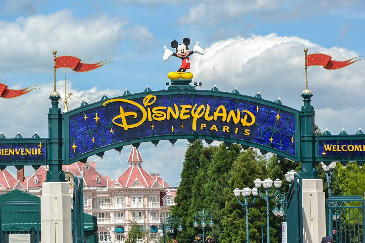 4 day Paris itinerary - Disneyland Paris entrance