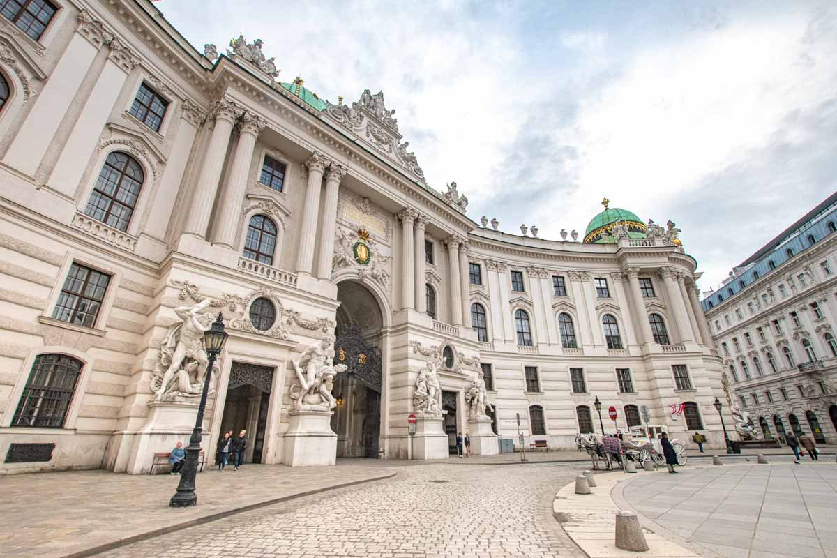3 days in Vienna - Hofburg Palace entrance