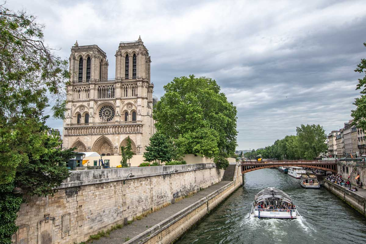 4 day Paris itinerary - Notre Dame with Seine