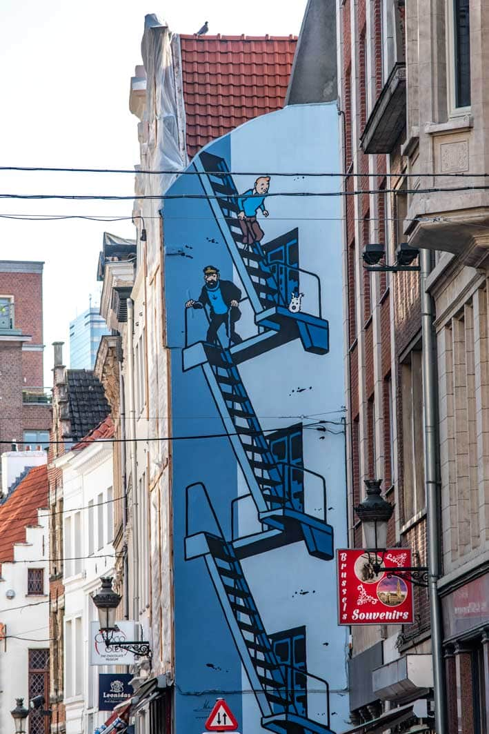 2 day Brussels itinerary - comic street lane with Tin Tin painting