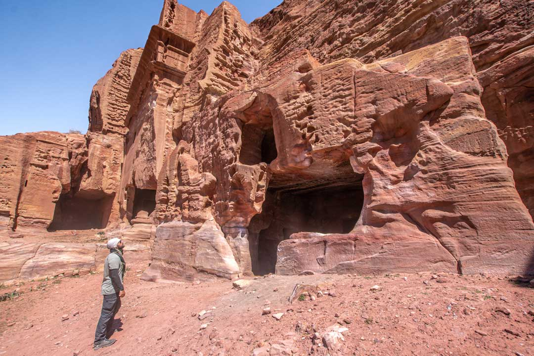 best photo spots in Petra - the cave homes of the Beduins