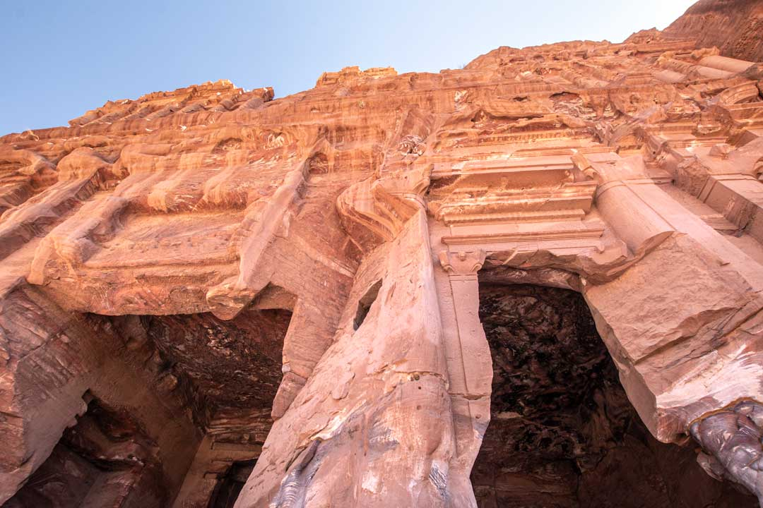 Petra photo guide - the Palace Tomb close up