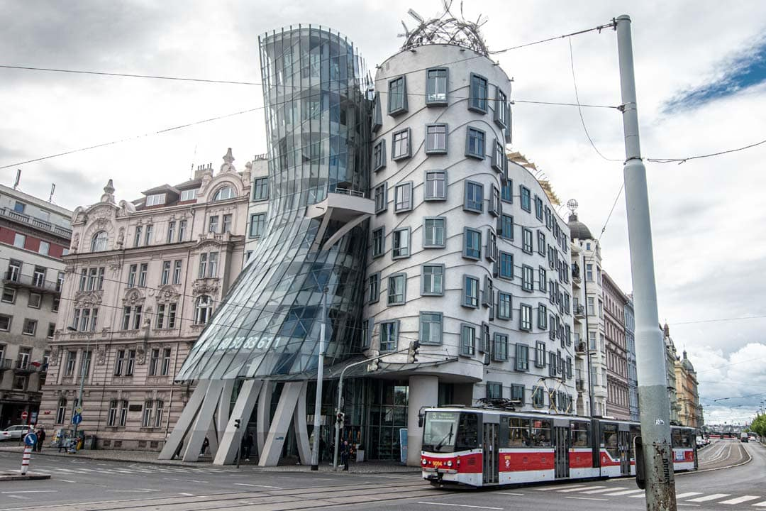 Photo-spots-in-Prague-dancing-house