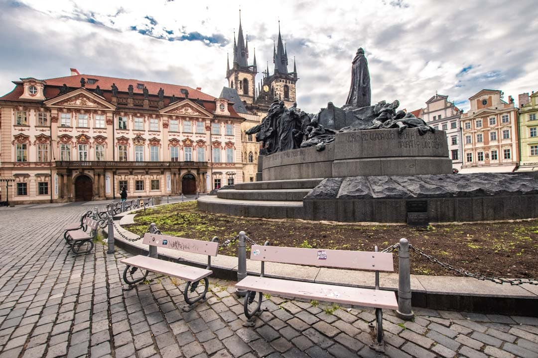Photo-spots-in-Prague-old-town-square