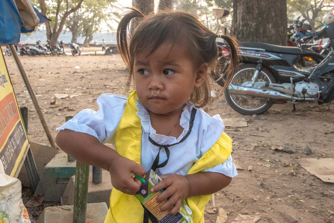 children-of-Angkor-Wat