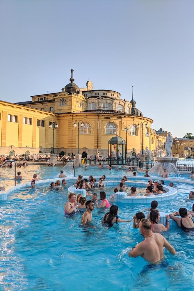 prague-vianna-budapest-budapest-baths