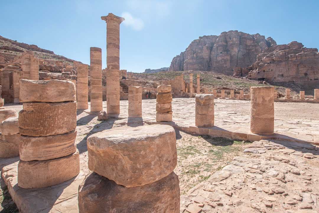 colonnaded-street-in-petra