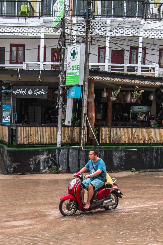 not-to-do-in-thailand-motorbike
