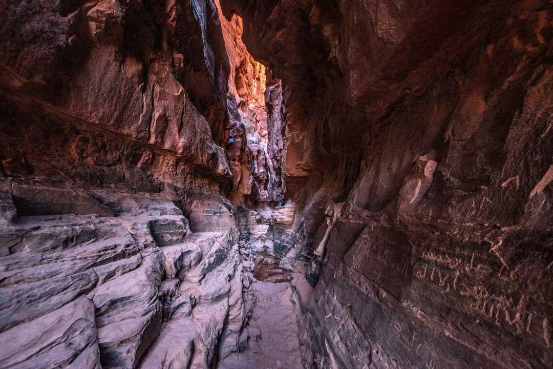 wadi-rum-camping-khazali-canyon