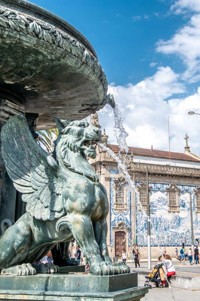 lion-fountain-in-porto