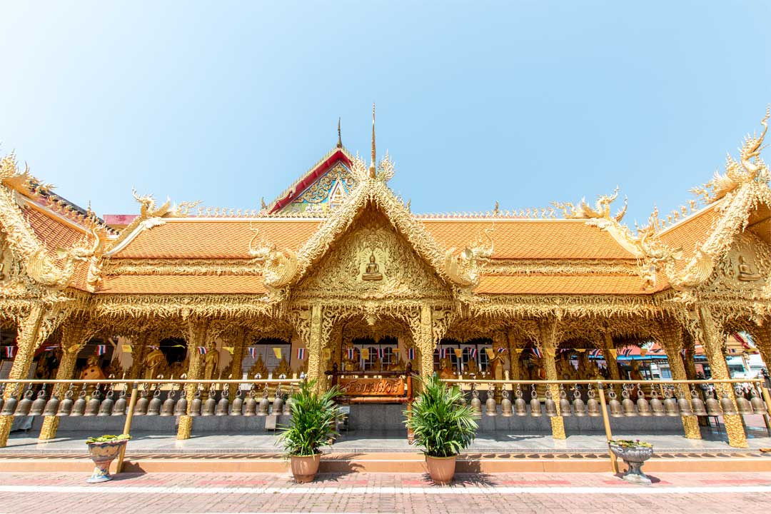 best-temples-in-pattaya-golden-temple