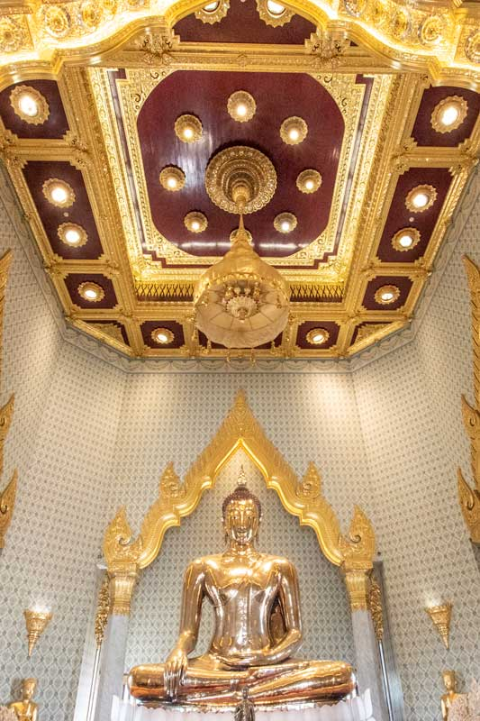 golden-buddha-in-chinatown-bangkok
