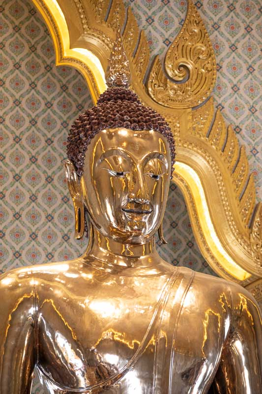 golden-buddha-of-wat-traimit