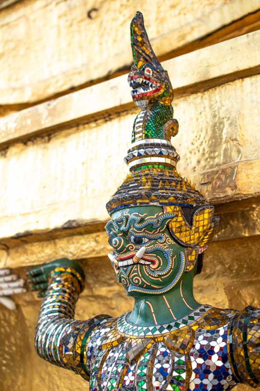 grand-palace-bangkok-guardian