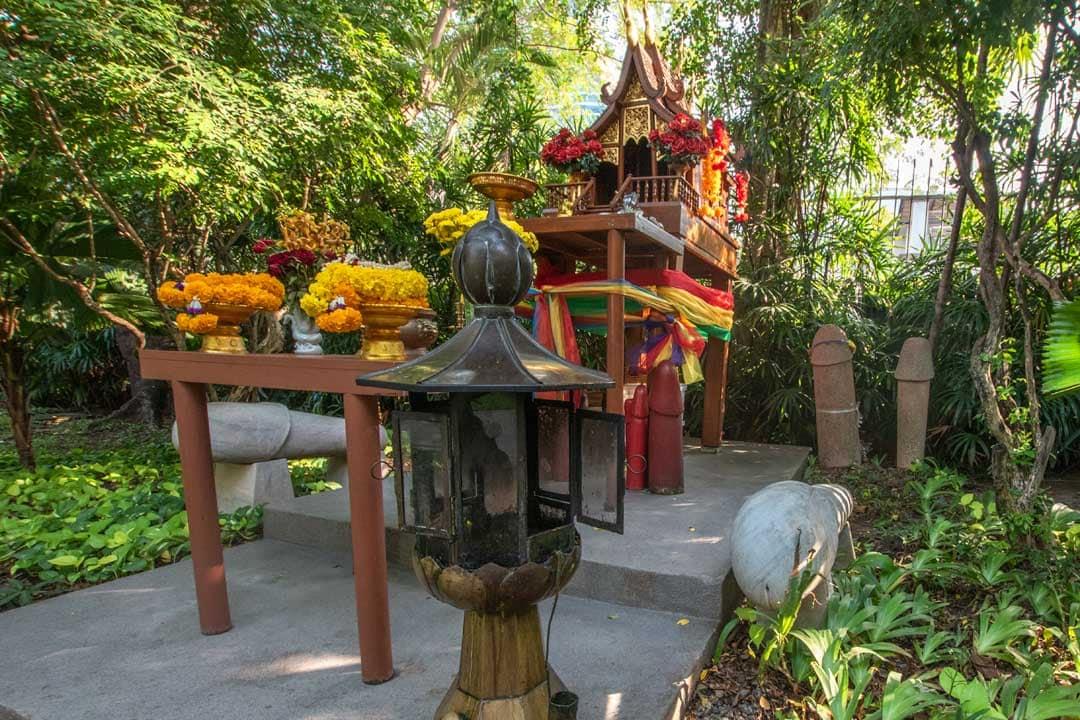 penis-shrine-in-Bangkok