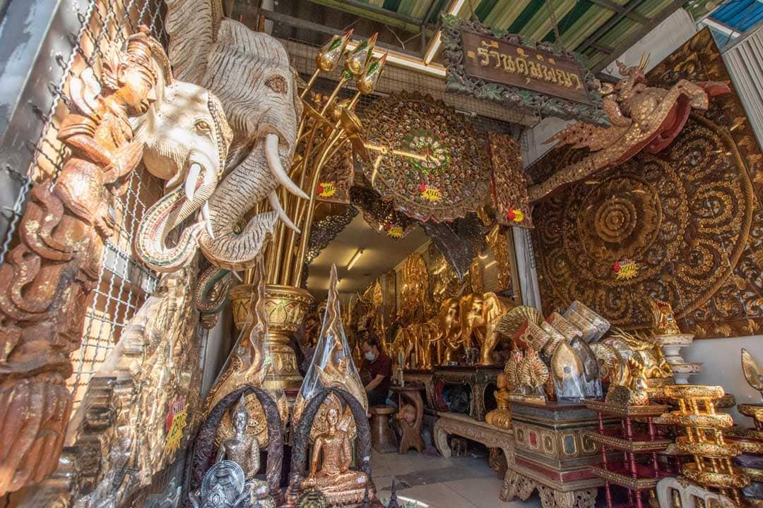 shop-in-chatuchak-market