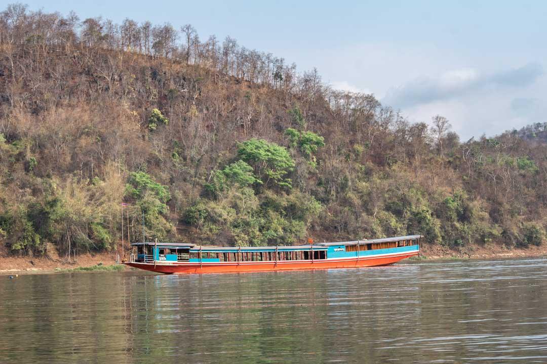 private-boat-to-pak-ou-caves-luang-prabang