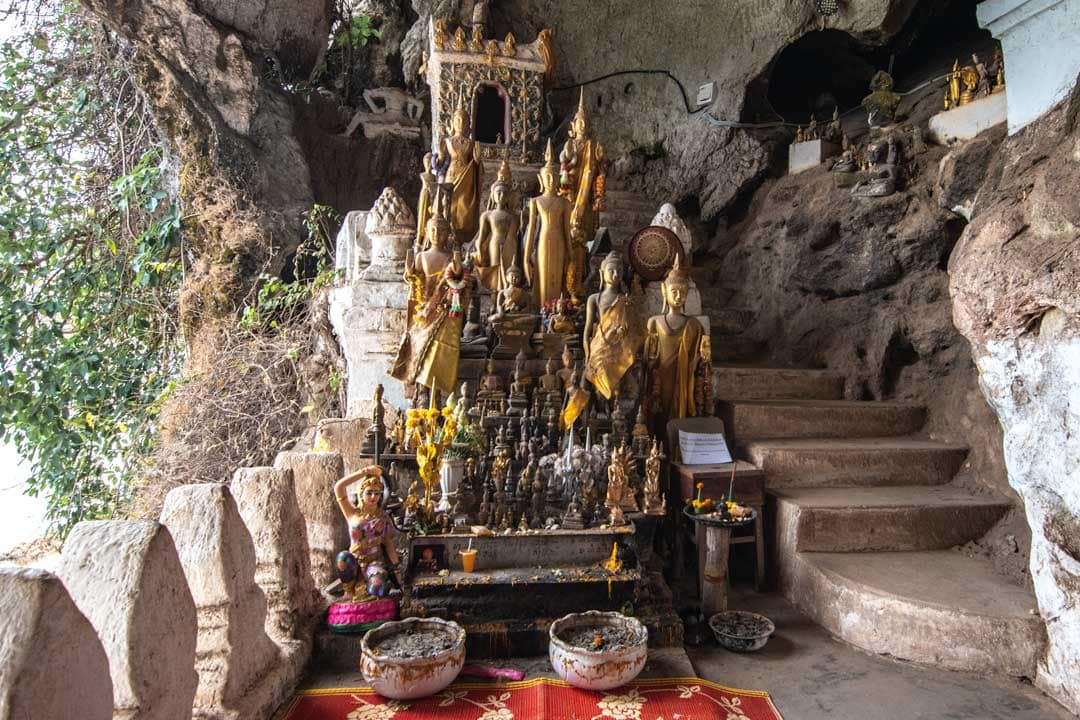 shrine-in-pak-ou-caves