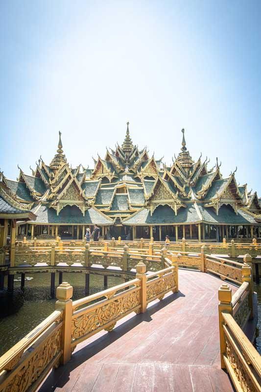golden-pavilion-in-ancient-siam